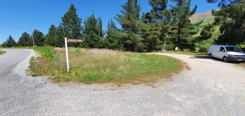 View of the road sign for Pinders pond
